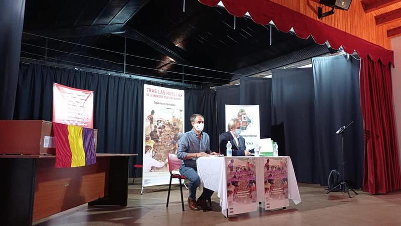 La ARMHE y el Ayuntamiento de Cabeza la Vaca celebraban este pasado sábado un acto en la Casa de la Cultura