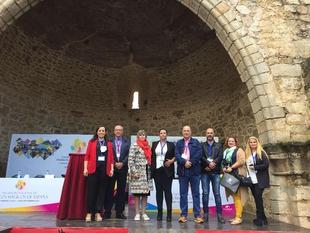 Fuentes de León y Segura de León presentes en el Encuentro de Pueblos Mágicos de España en La Adrada (Ávila)