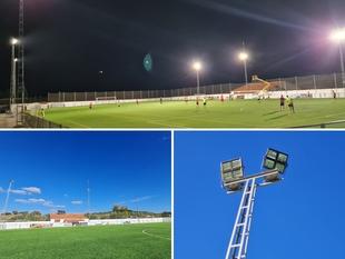 El Estadio Municipal Fernando Rey de Segura de León estrena iluminación LED