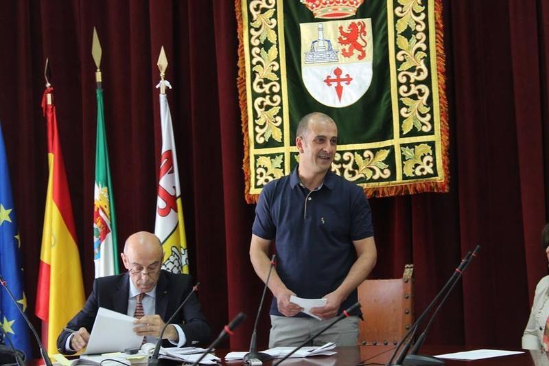 Francisco Martínez ocupa su puesto como alcalde prometiendo un gobierno cercano y responsable